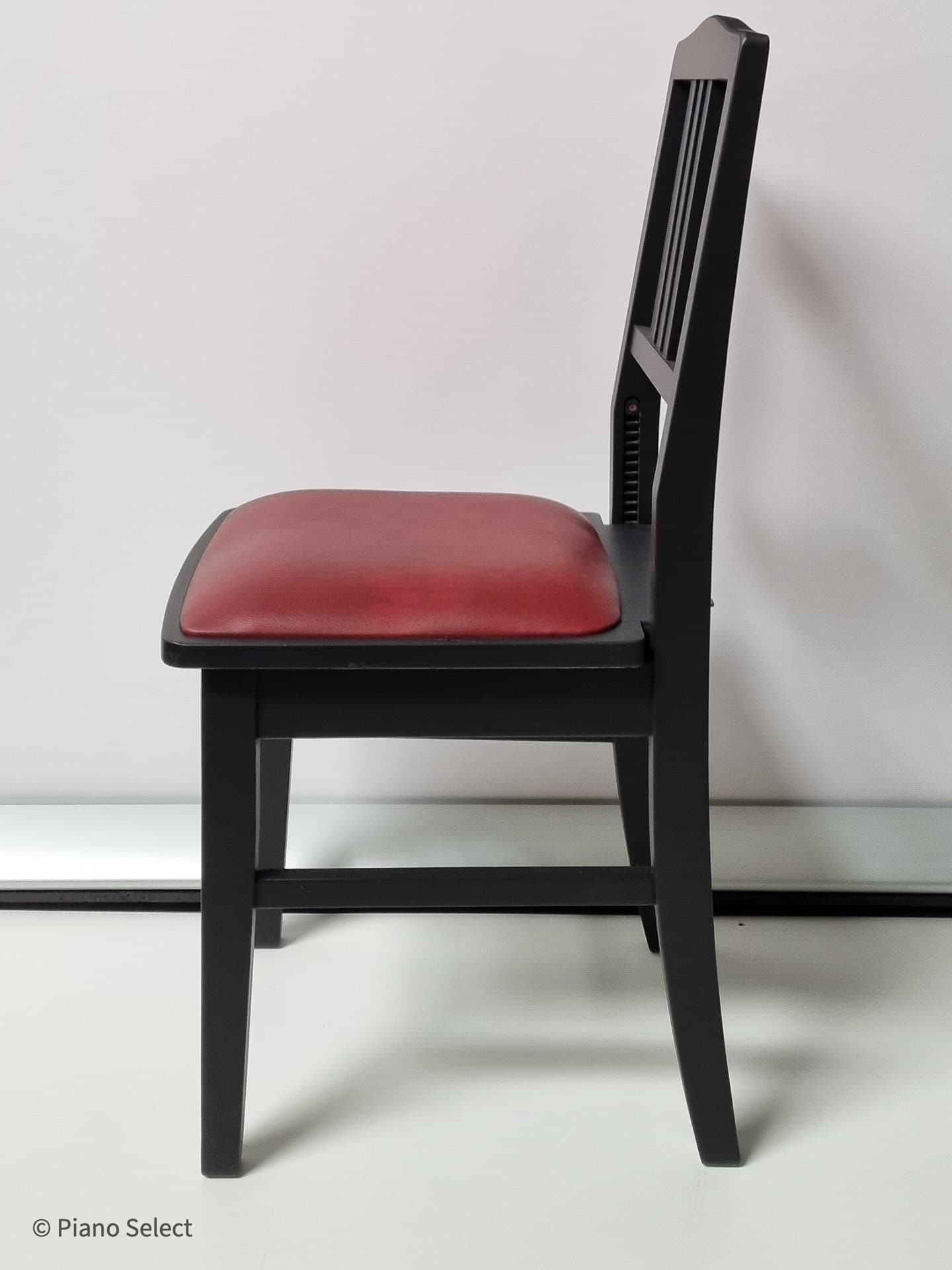 Gereviseerde Beethovenstoel - Mat zwart, rode zitting