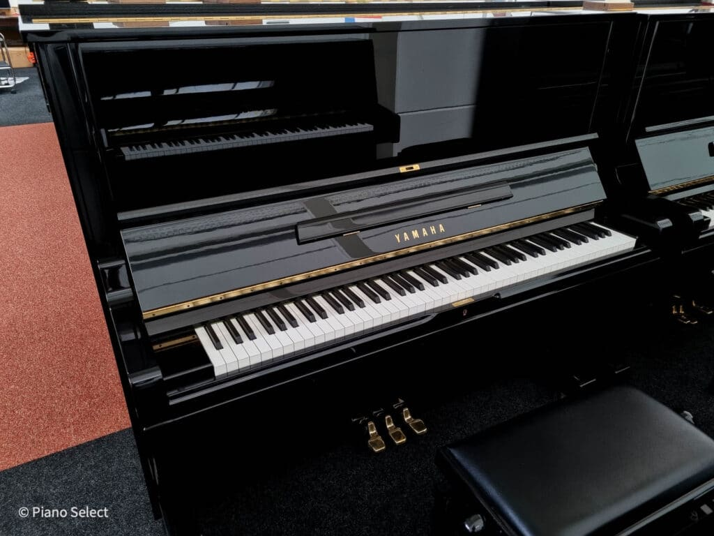 Yamaha U3AS 4495261 met sostenutopedaal