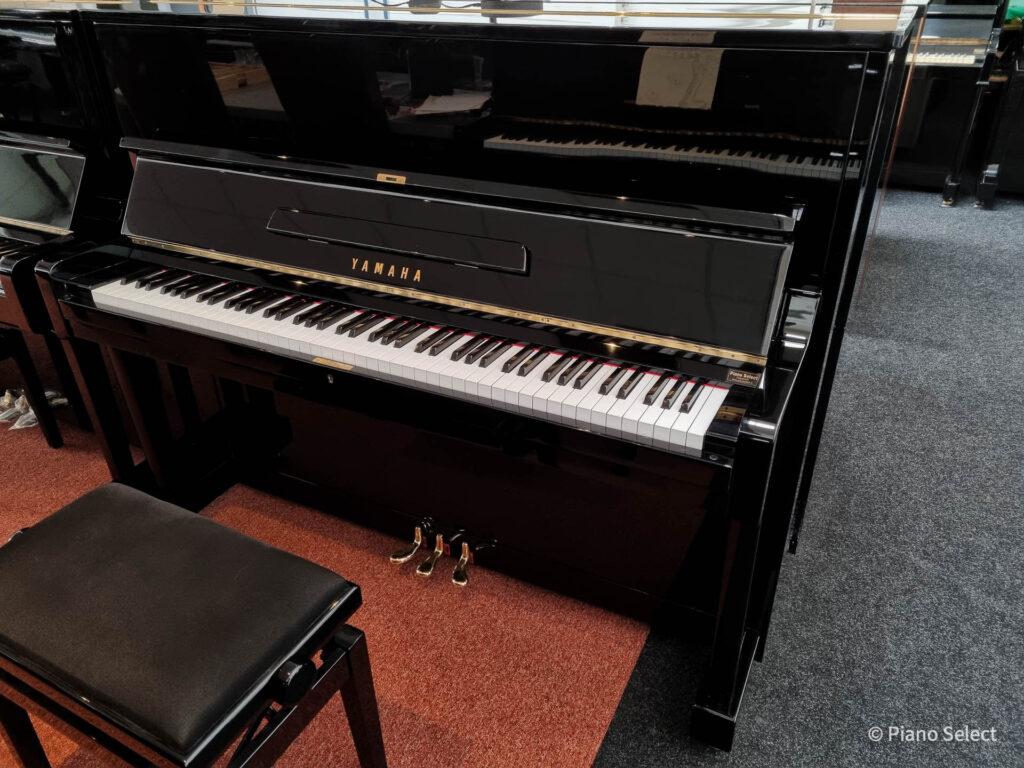 Yamaha U1D 256005